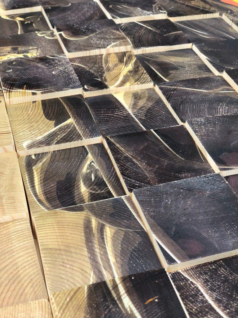 Caspar Luuk werk op hout close-up